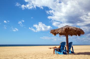 rancho-pescadero-beach-blue-chair-600x400